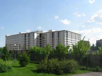 Вид на комплекс со стороны Удельного парка